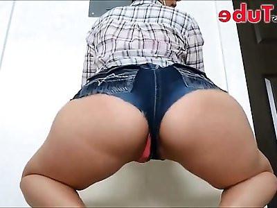 Gostosa de shortinho jeans HD