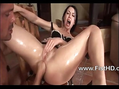 Babe Isabella Clark gets asshole fisted
