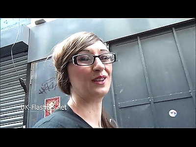 American exhibitionist Demona Dragons outdoor exposure and public flashing of da